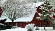 barn in winter - TheFarmersInTheDell.com